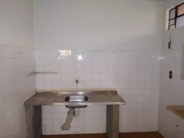 Alugar Casa / Padrão em Barretos R$ 1.100,00 - Foto 9
