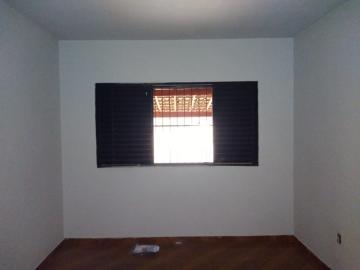 Alugar Casa / Padrão em Barretos R$ 1.100,00 - Foto 4