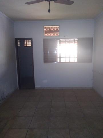 Alugar Casa / Padrão em Barretos R$ 1.500,00 - Foto 4