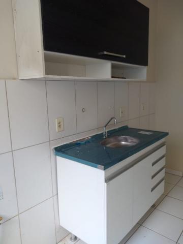 Alugar Apartamento / Padrão em Barretos R$ 700,00 - Foto 6