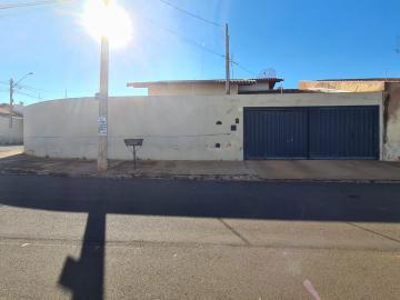 Alugar Casa / Padrão em Barretos. apenas R$ 1.174,25